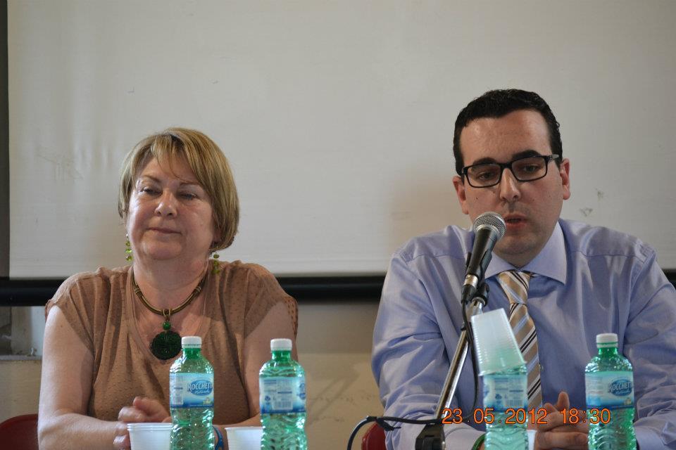 Sandra Carresi e Lorenzo Spurio in un momento della presentazione tenutasi a Firenze