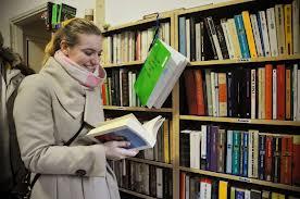 Foto biblioteca di condominio