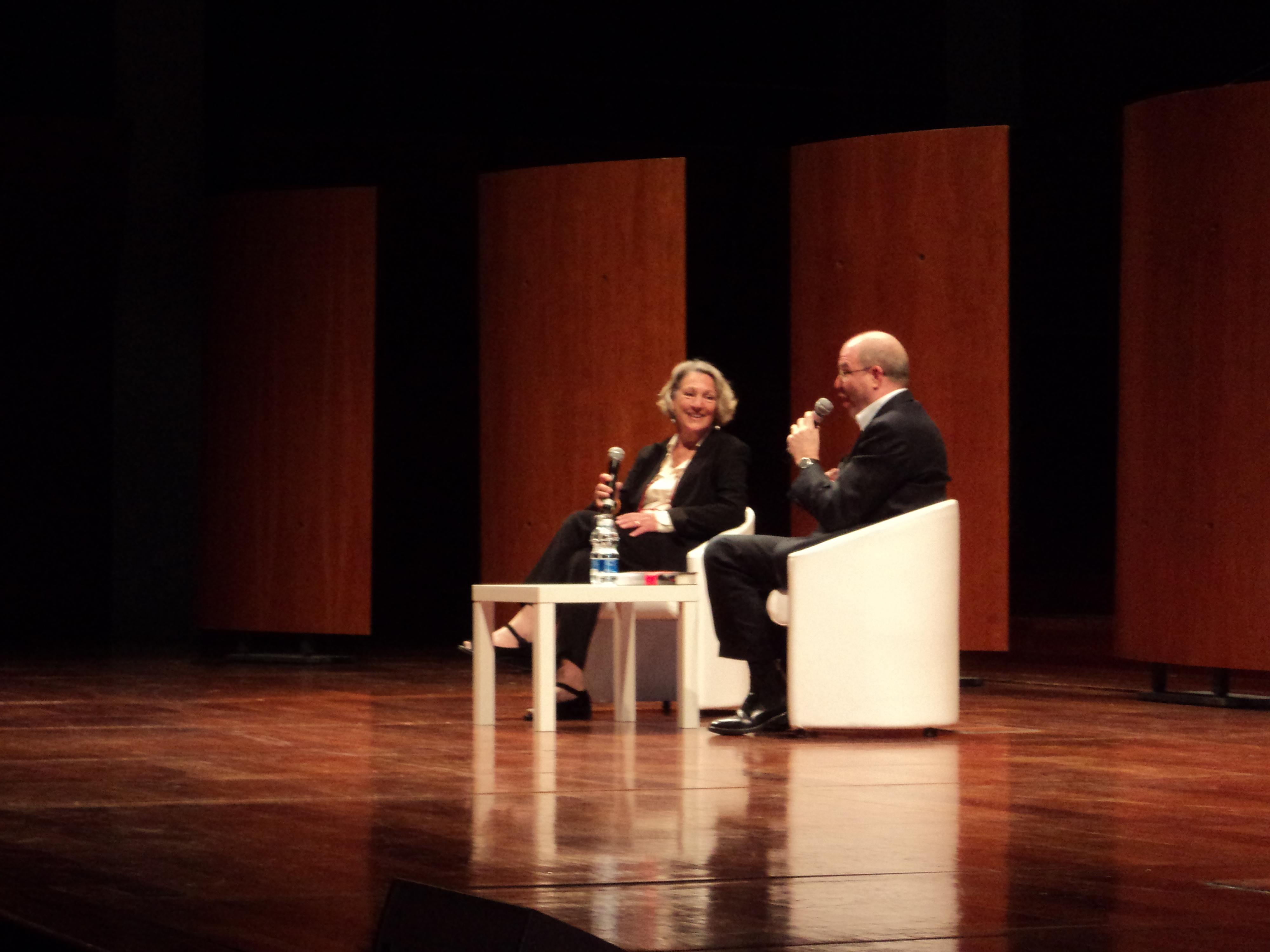 Angela Terzani Staude e Massimo Gramellini al salone del libro di Torino