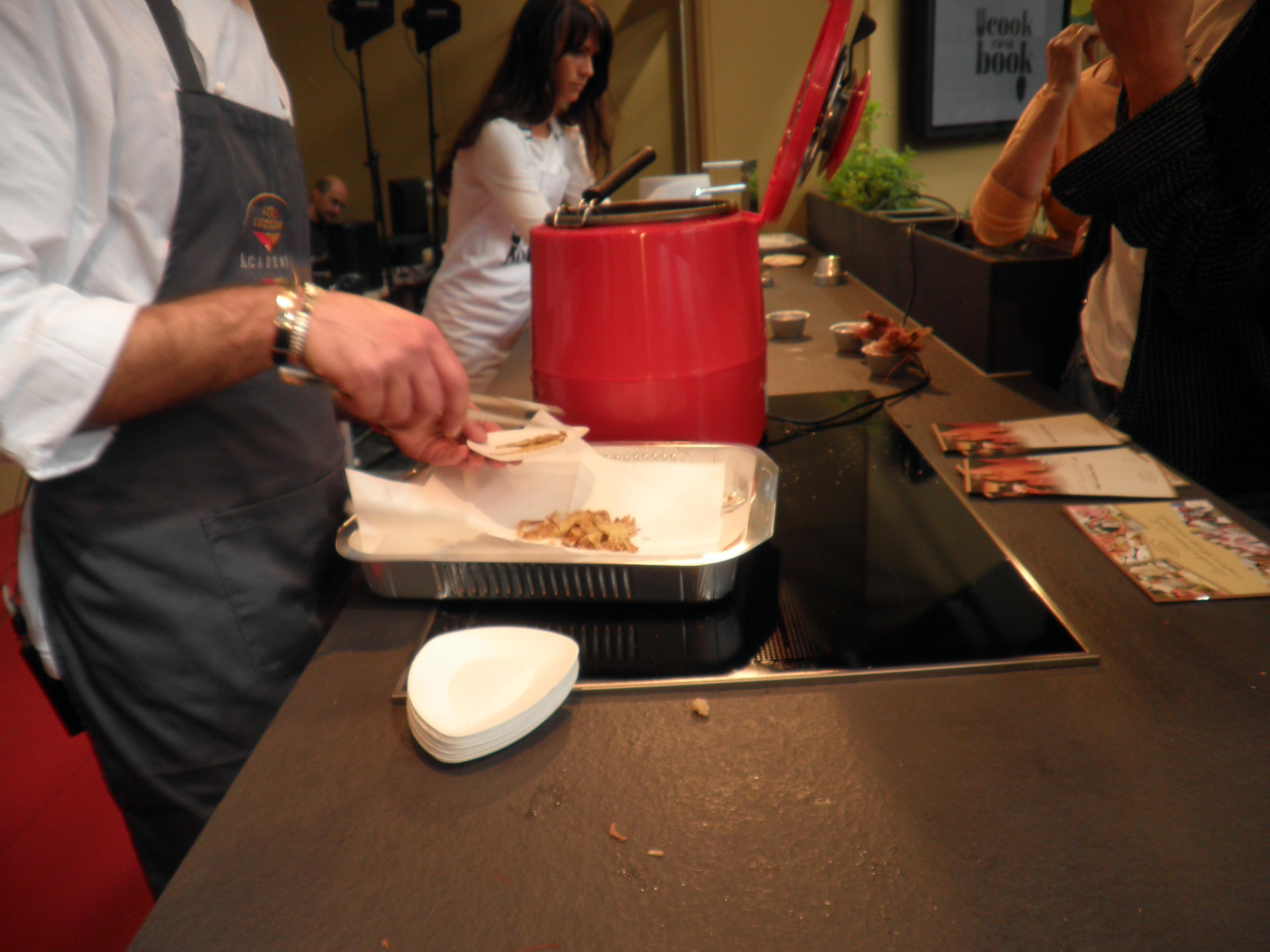 A casa cookbook cucina evolution con chiara manzi gli - Cucina evolution ricette ...