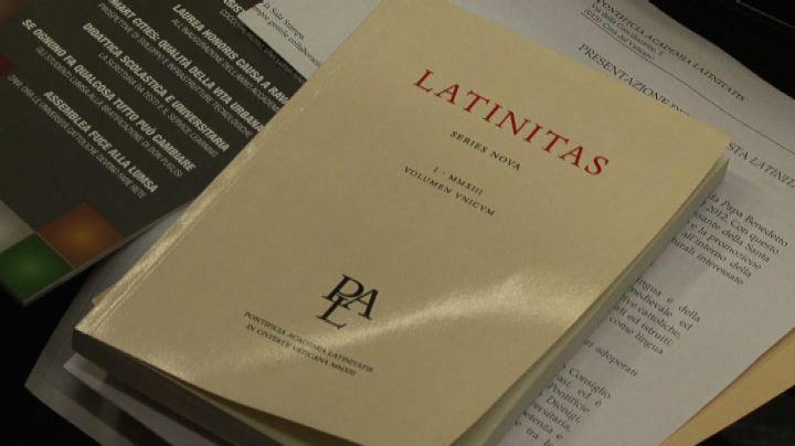 Salone del libro il latino ai tempi di twitter gli for Rivista di programmi domestici