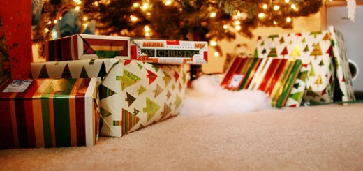 35072-christmas-gifts-under-the-tree
